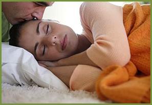 Вы благодарите мужчину поцелуем в щеку – следует быть осторожным, сон сулит финансовые потери.
