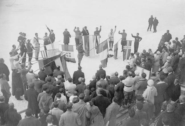 Реферат на тему История Зимних Олимпийских игр Контент  официальная церемония открытия первых зимних олимпийских игр