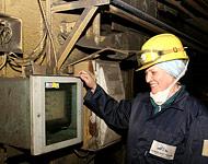 Ведение технологического процесса спекания шихты в производстве глинозема под руководством агломератчика более...