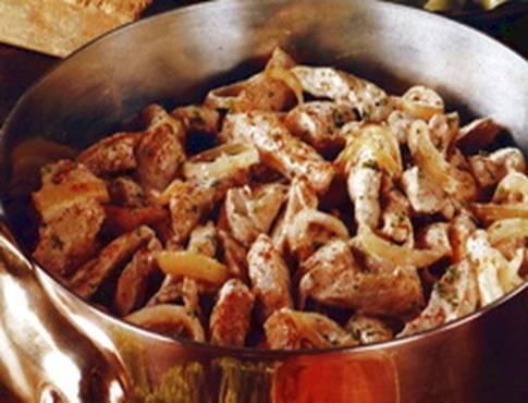 Приготовления бефстроганов из свинины