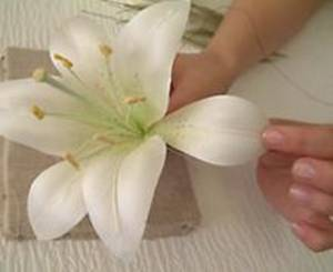 Как сделать цветок лилии своими руками