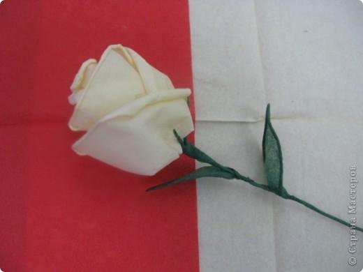 Роза из салфетки своими руками фото