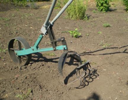 Ручной инструмент для огорода