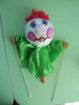 Клоун— тростевая кукла. Совместное занятие с детьми и их родителями.