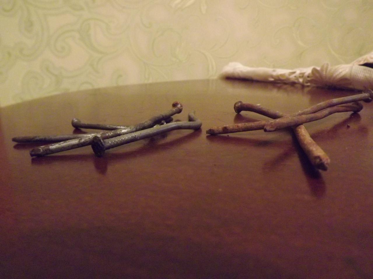 Прибивание гвоздей в сиськи, Бдсм гвоздями прибили сиськи - видео Последние 22 фотография